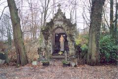 Anzegem Tiegemberg zonder nummer  Sint-arnolduspark (https://id.erfgoed.net/afbeeldingen/31624)