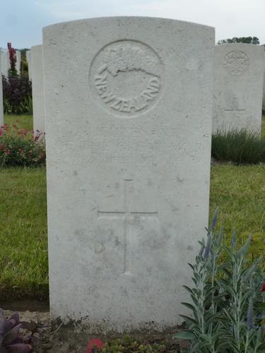 Passendale sGraventafelstraat New Military Cemetery (9)