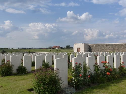 Passendale sGraventafelstraat New Military Cemetery (23)