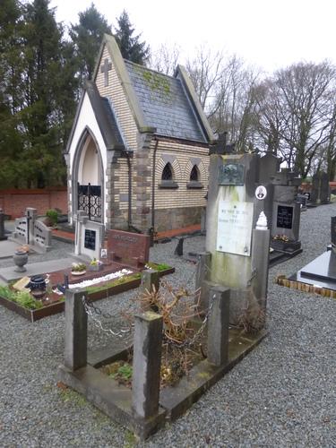 Oombergen Sint-Martinuskerkhof (2)