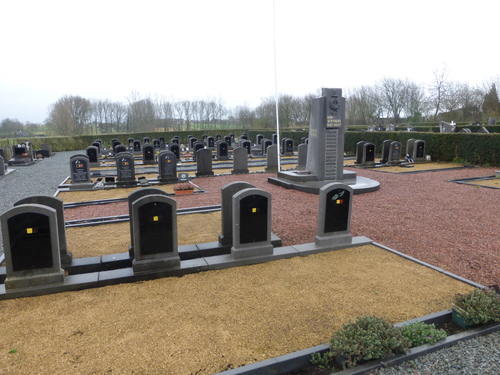 Sint-Maria-Oudenhove OLVtenhemelopnemingskerkhof (14)