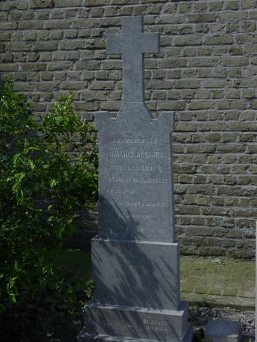 Eggewaartskapelle: Kerkhof: Perkje: Naviaux