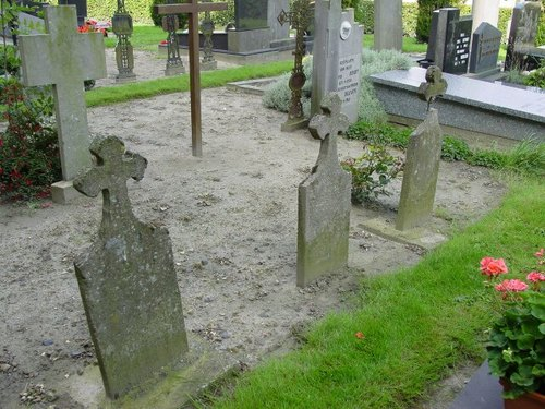 Eggewaartskapelle: Kerkhof: 3 onbekenden