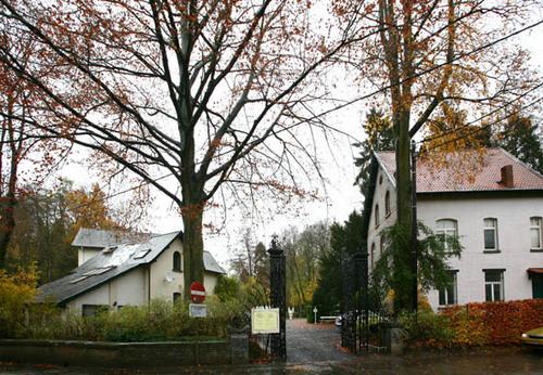 Linkebeek Kasteelstraat 26 ingang aan Kasteeldreef 26