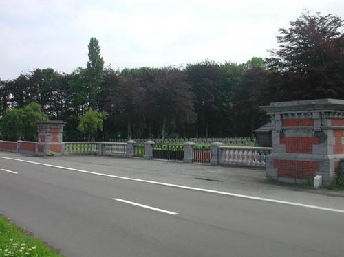 Houthulst Poelkapellestraat zonder nummer Begraafplaats