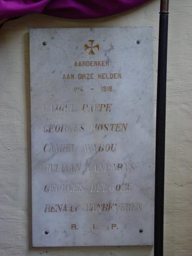 Izenberge: Kerk: Gedenkplaten 2