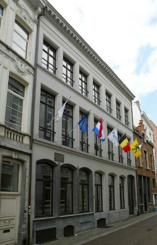 Antwerpen Oude Beurs 30-32