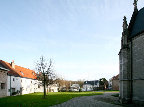 Tervuren Kerkstraat zicht op het kerkhof