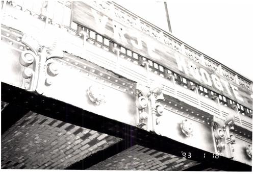 Graaf de Smet de Naeyerbruggen en draaibrug over de Demeysluis