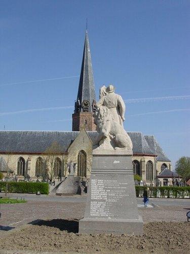 Poperinge Watouplein zonder nummer Achterzijde van het oorlogsmonument