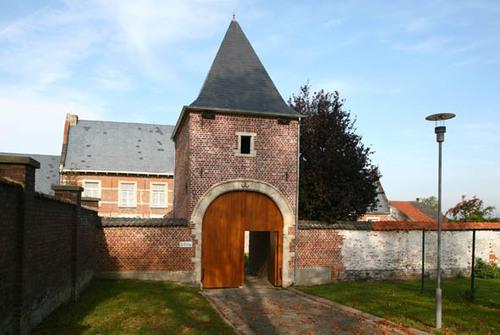 Pastorie van de Sint-Pietersbandenparochie met tuin