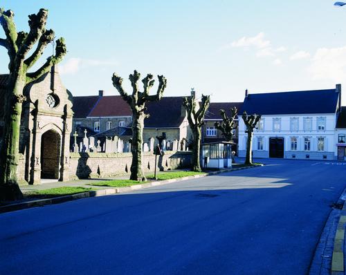 Dorpsgezicht Lo-Reninge, Oude-eiermarkt en Weststraat