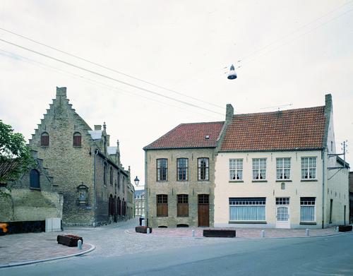 Veurne Zwarte Nonnenstraat 39, Pannestraat 24-26