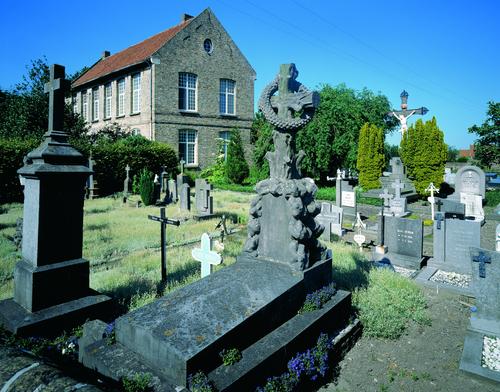 Pastorie Sint-Petrusparochie en kerkhof