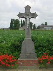 """Arduinen kruis met opschrift """"INRI"""""""