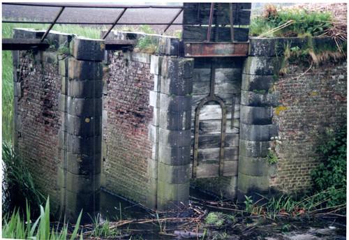 Avelgem Waterhoek zonder nummer drievoudige schuif gelegen op de Rijtgracht