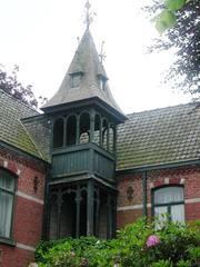 Landhuis met breiwerkfabriek