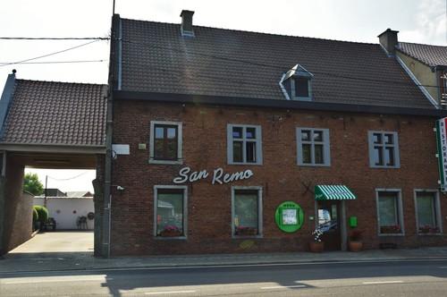Sint-Pieters-Leeuw Bergensesteenweg 219