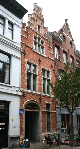 Antwerpen Aalmoezenierstraat 66