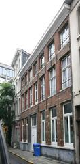 Laatclassicistisch burgerhuis met traditionele kern