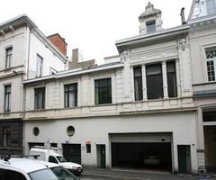 Kantoorgebouw in neoclassicistische stijl