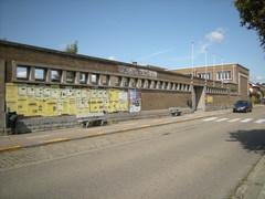 Modernistisch onderwijsgebouw