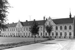 Klooster, vrije lagere school en rusthuis