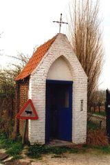 Semi-gesloten hoeve met kapel