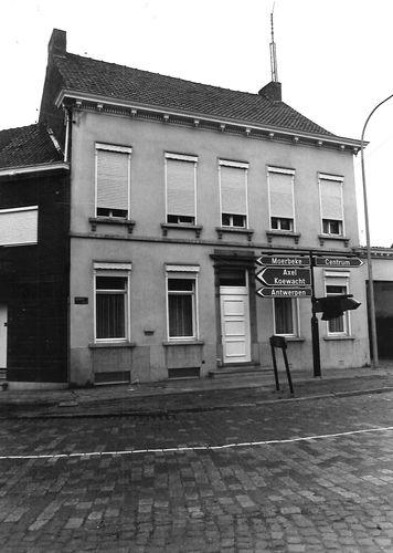 Stekene Dorpsstraat 92-94