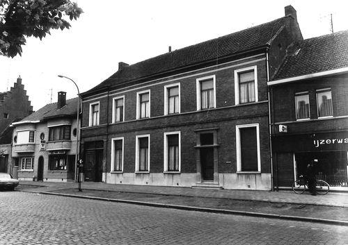 Stekene Dorpsstraat 29-29A
