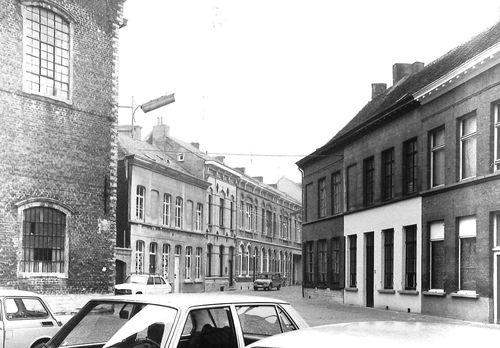 Sint-Niklaas Collegestraat 27-17 en 26-22