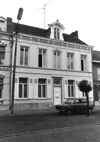 Sint-Niklaas Dries 23
