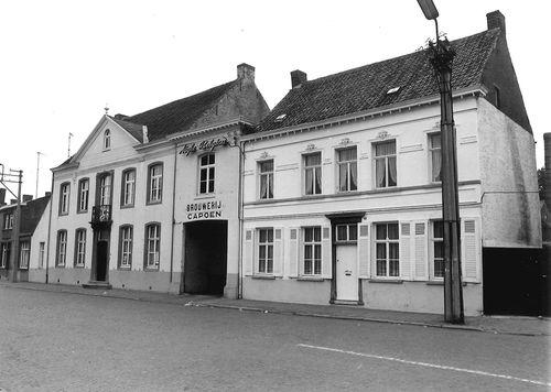 Sint-Niklaas Dries 32-34