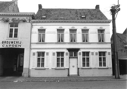 Sint-Niklaas Dries 32