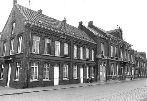 Sint-Niklaas Dries 82 en 86-90