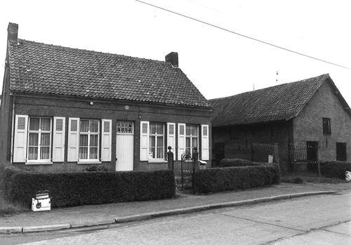 Sint-Niklaas Edgard Tinelstraat 49