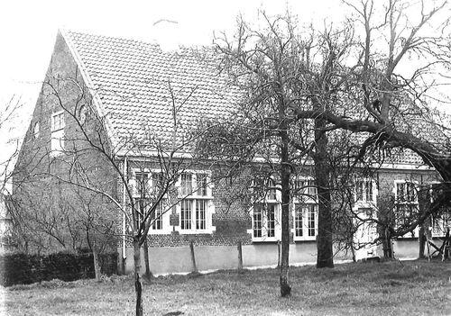Sint-Niklaas Edgard Tinelstraat 4