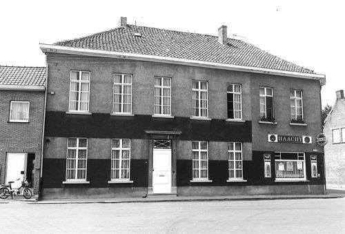 Sint-Niklaas Leebrugstraat 2