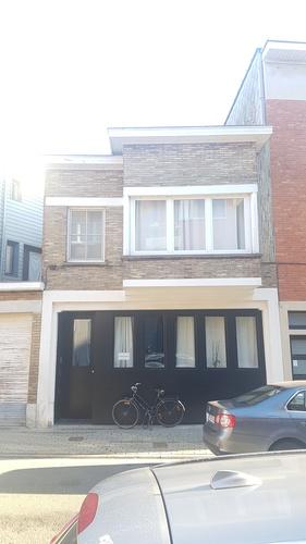 Modernistisch burgerhuis / Garage aan Jakob Heremansstraat