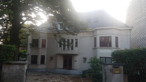 Villa in art deco