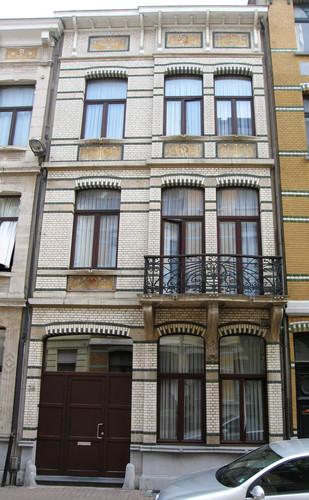 Antwerpen De Marbaixstraat 36