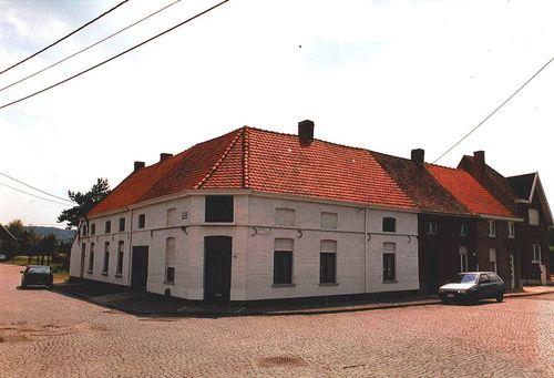 Ronse Deurnestraat 3 en Stooktstraat 311, 313, 315