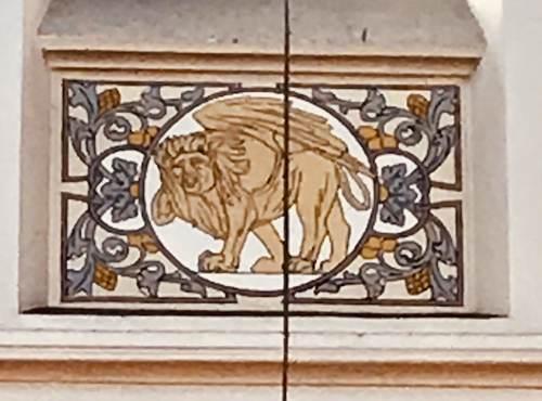 Turnhout Kerkplein 1 detail sgraffito Marcus