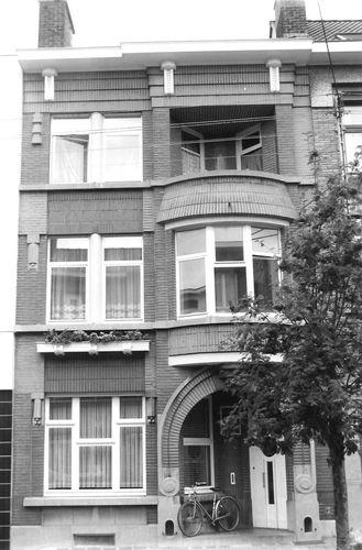 Ronse Léopold Sturbautstraat 26