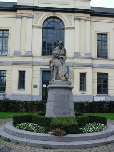 Torhout Conscienceplein zonder nummer Oorlogsmonument