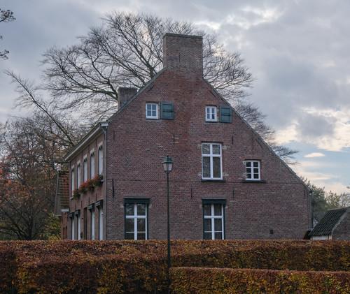 Sint-Martens-Latem Dorpsstraat 39 pastorie Sint-Aldegondeparochie
