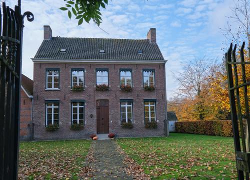 Sint-Martens-Latem Dorpstraat 39 pastorie Sint-Aldegondeparochie