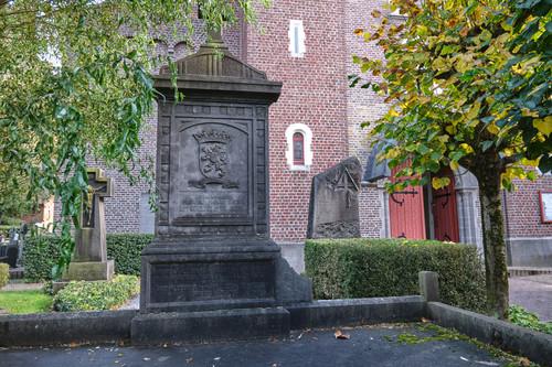 Sint-Martens-Latem Dorpsstraat zonder nummer parochiekerk Sint-Aldegonde met kerkhof