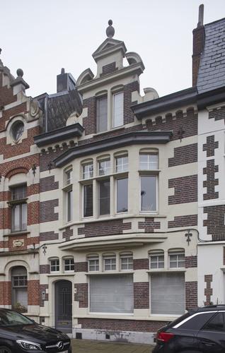 Burgerhuis ontworpen door Ferdinand De Ruddere