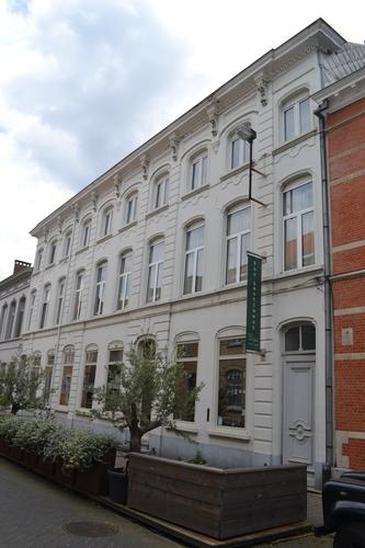 Sint-Niklaas Dr. Verdurmenstraat 9-11